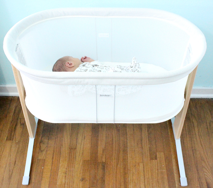 top 3 best bassinet reviews 2018 the new mom 39 s guide. Black Bedroom Furniture Sets. Home Design Ideas